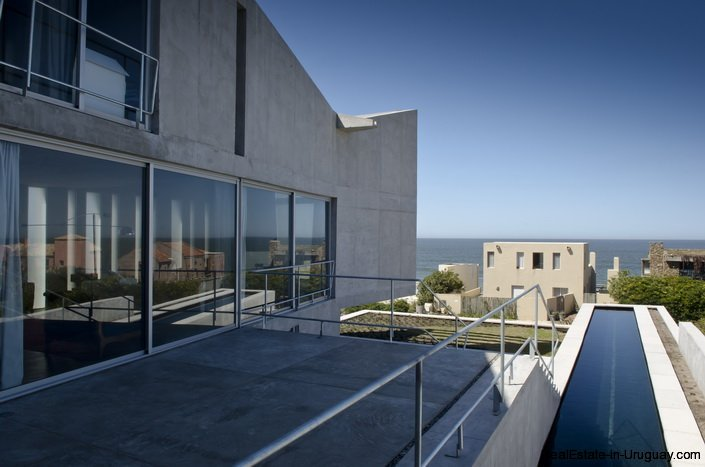 Modern 3-Story Design Home | Realestate in Uruguay