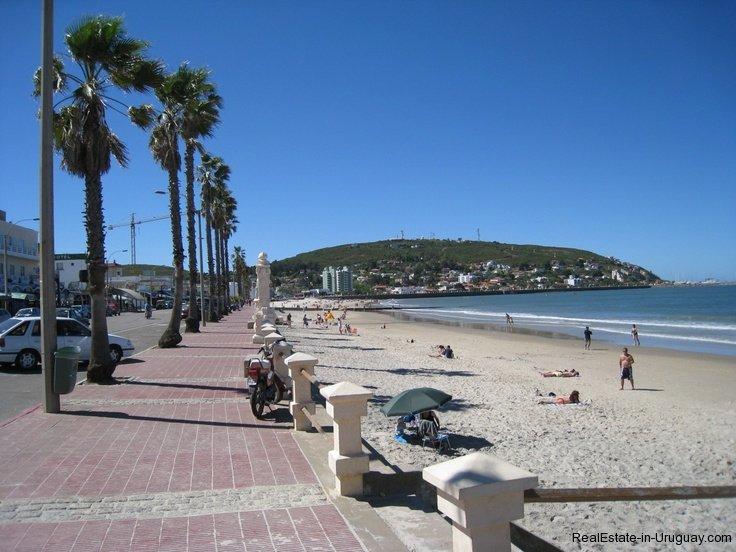 Beach-in-Piriapolis-Uruguay