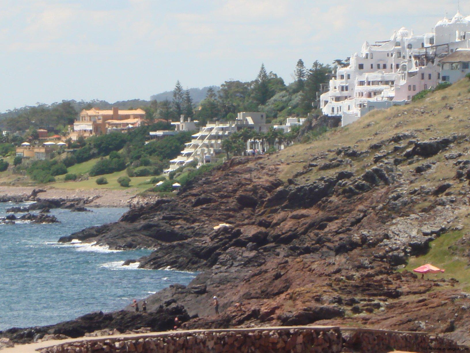 Coast-of-Punta-Ballena-Uruguay